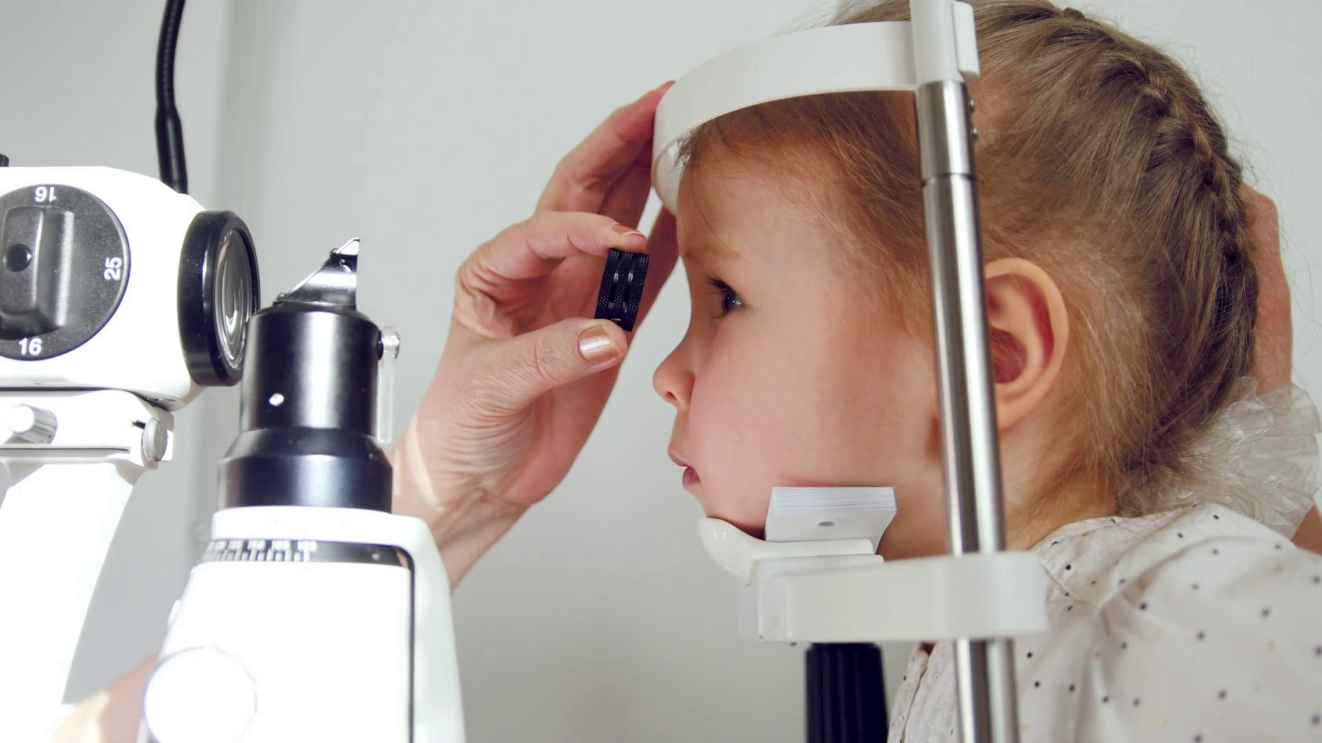 Wollongong Optometrist for Children's Vision and Eye Exams for all ages.